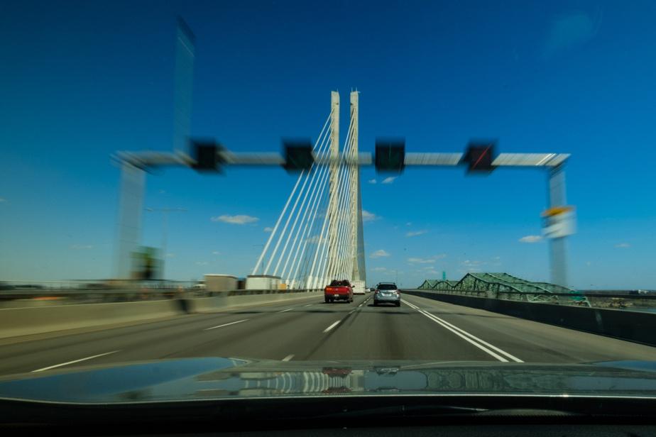Sur le pont Samuel-De Champlain