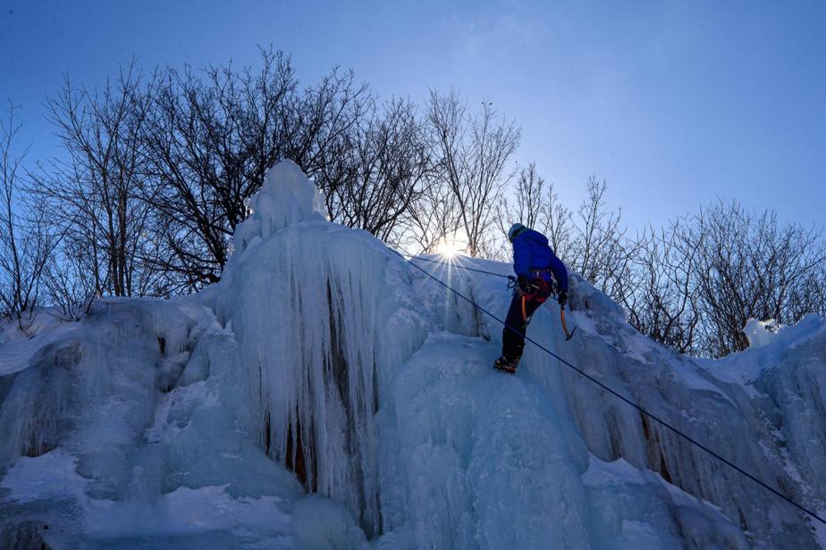 La petite paroi du parc Jean-Drapeau est orientée vers le nord, ce qui contribue à une meilleure qualité de glace.