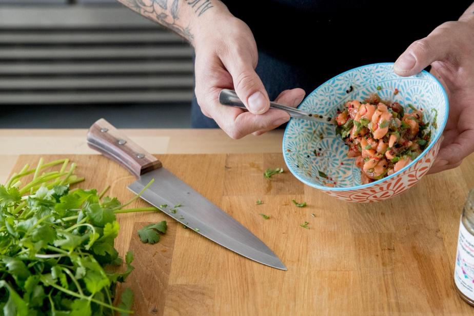 Tartare de saumon, avec sa sauce d'inspiration asiatique de Super Super.