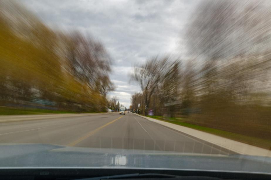 À Pointe-aux-Trembles, la rue Notre-Dame traverse le parc-nature de la Pointe-aux-Prairies.