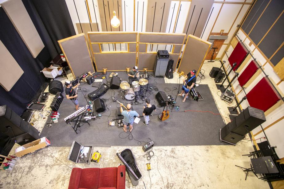 La tournée estivale de Bleu jeans bleu s'amorce les 24 et 25juin à Bromont. Le groupe jouera aussi à Mirabel les 10 et 11juillet.