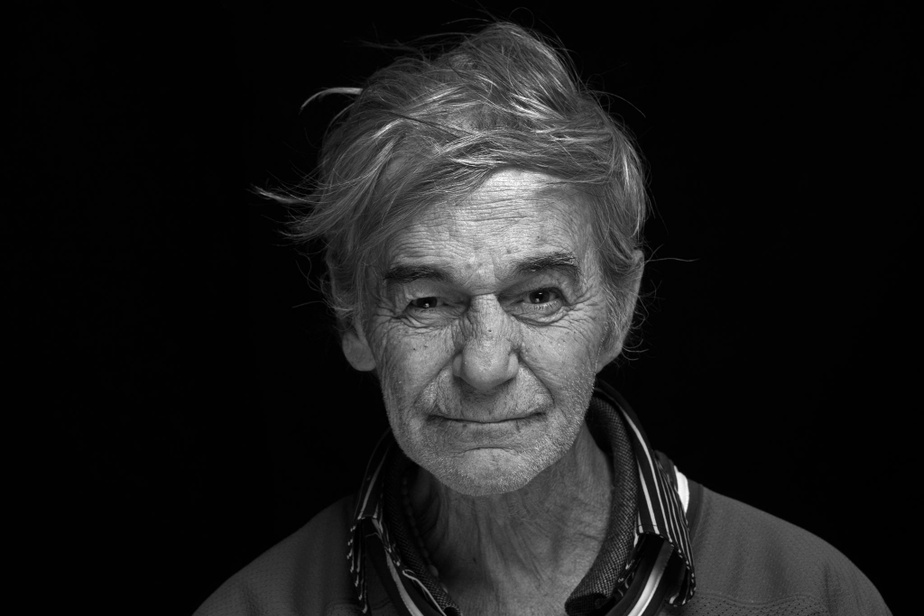 Serge Archambault, 63ans, a trouvé une seconde famille à la résidence de la Maison du Père, où il vit depuis 10ans. C'est avec plaisir que le photographe a retrouvé Serge, qui lui avait chanté «sa toune» dans la rue en 2017.