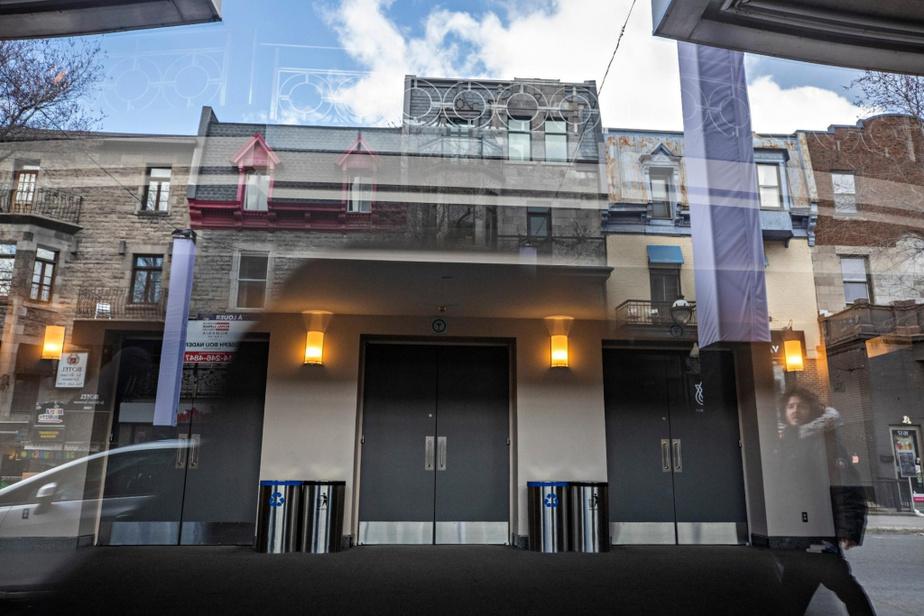 Le Théâtre St-Denis, rue Saint-Denis, n'a pas accueilli de spectateurs depuis un moment…