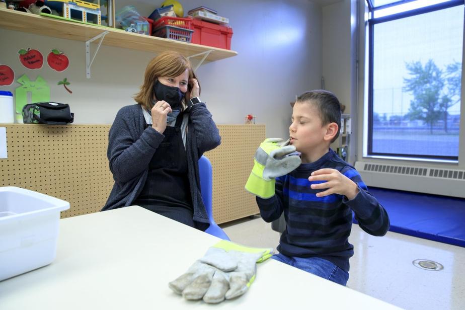 Les élèves se sont rapidement adaptés, constate l'enseignante au préscolaire Hélène Berthiaume.