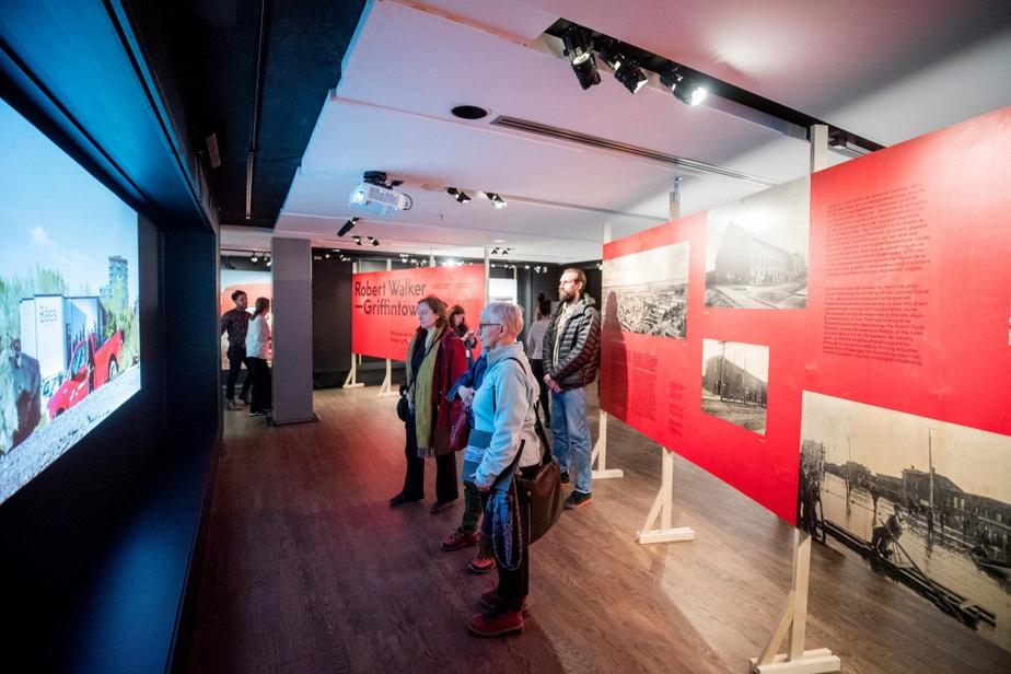 La présidente et cheffe de la direction du McCord, Suzanne Sauvage estime que l'exposition est une réflexion sur le développement immobilier «chaotique et fulgurant» dans Griffintown.