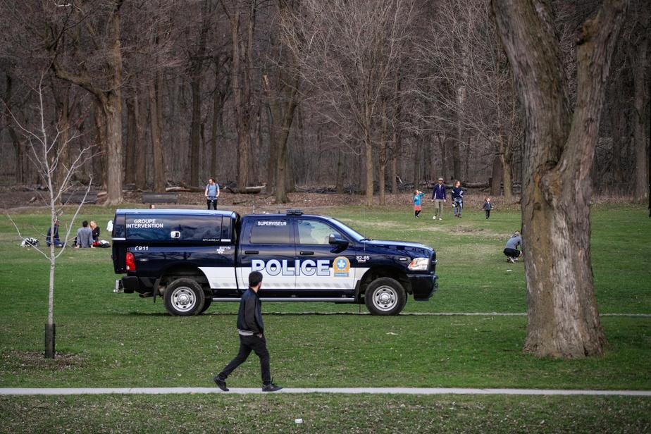 Aucune mesure particulière n'a été mise en place par le Service de police de la Ville de Montréal par ce beau samedi de mai, a précisé l'inspecteur André Durocher.«Depuis le début d'avril, il y a une escouade en visibilité dans les grands parcs de Montréal. Ça se poursuit.»
