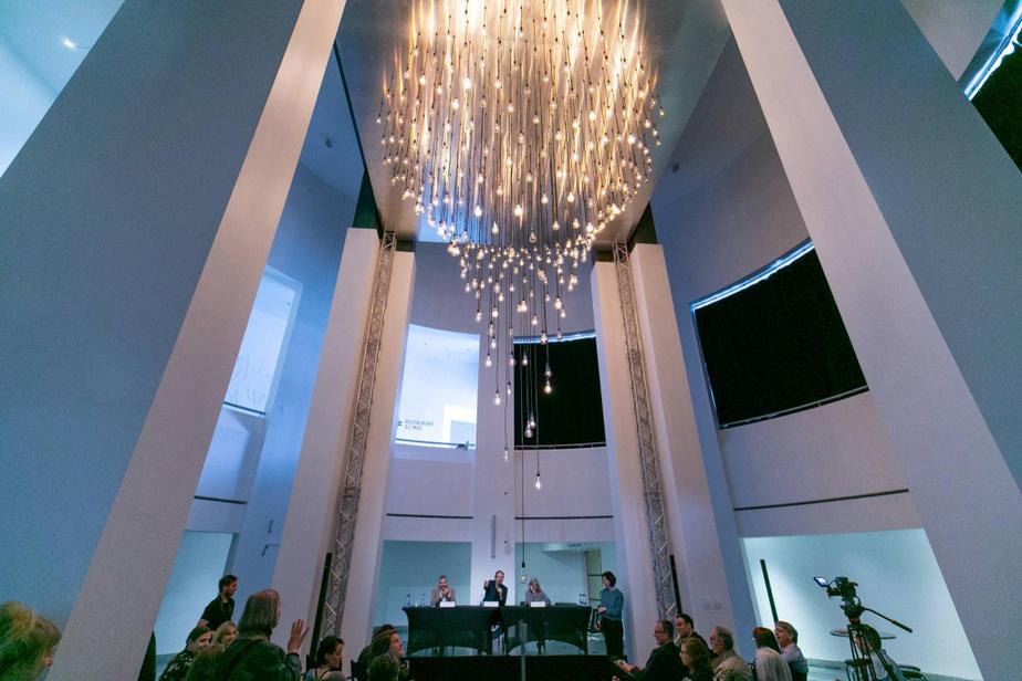 Pulsations en spirale, une des œuvres de Rafael Lozano-Hemmer exposées auMAC, à Montréal, en 2018.