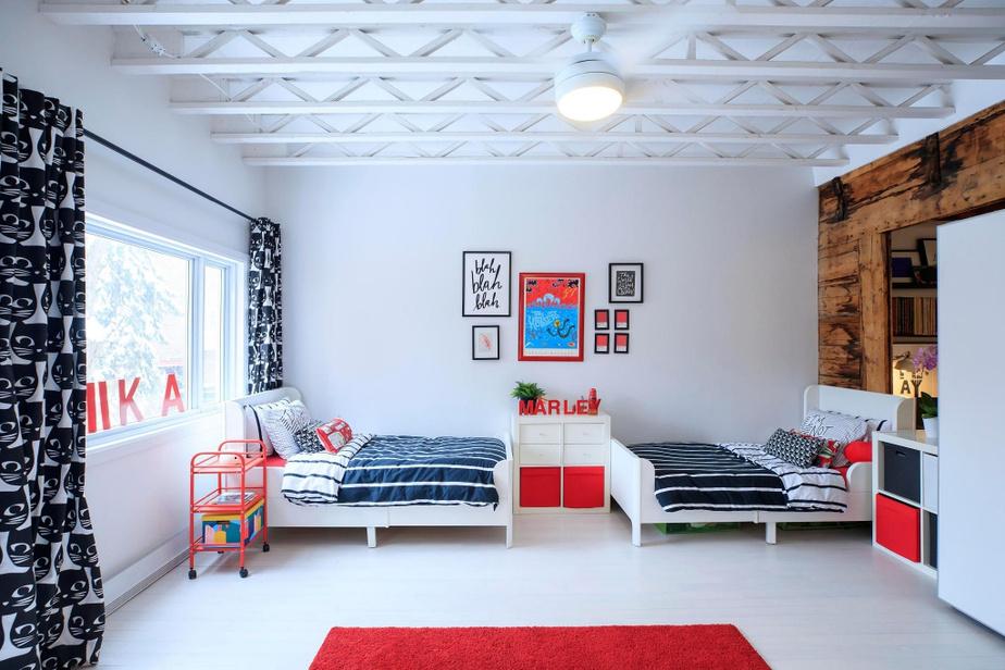 À leur demande, les enfants partagent la même chambre, aménagée au deuxième étage.