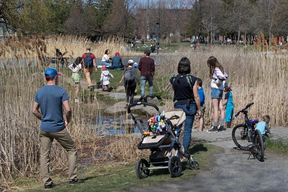 De petits rassemblements ont également eu lieu en fin d'après-midi au parc Jarry.