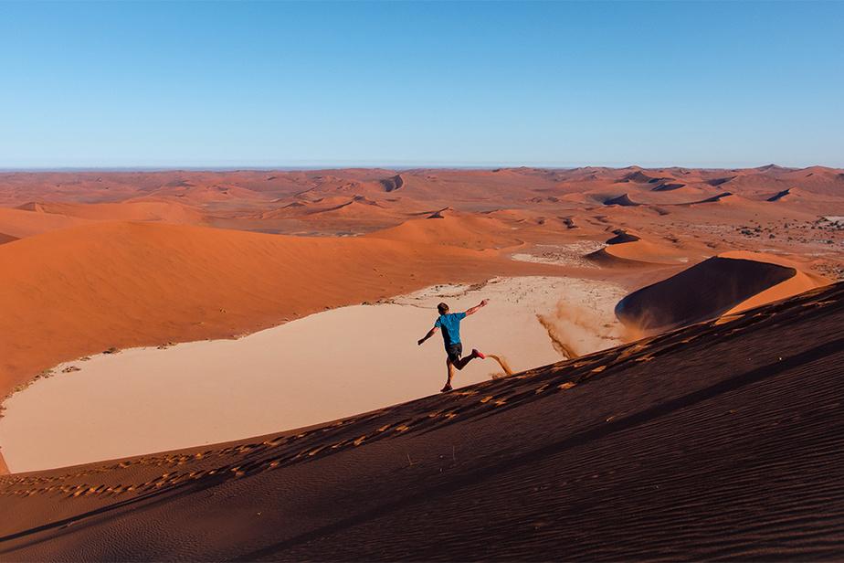 Une fois le pied à terre, Samuel a pu découvrir des sites beaucoup moins connus que les pyramides, comme les dunes de Sossusvlei, en Namibie.