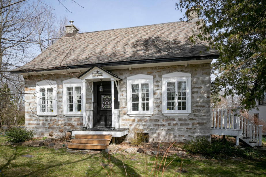 La Maison François Lalonde, en pierre, a été construite au début des années1830 à l'emplacement d'une première construction datant de 1758.
