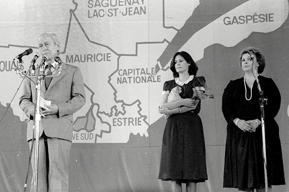 René Lévesque après l'annonce du verdict du référendum, avec derrière lui sa femme Corinne ainsi que la députée péquiste Lise Payette
