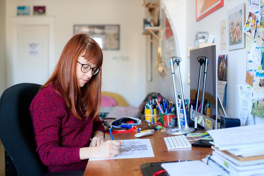 C'est à la main, au crayon mine, que Cathon dessine les Mimose et Sam. «C'est plus doux, dit-elle. J'y vais all-in dans les affaires cutes, pour que ce soitkawaii.»