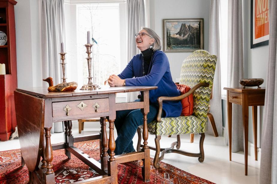 Louise Penny, que l'on voit ici dans sa résidence de Knowlton, au Québec, figure parmi les auteurs les plus lus pendant la pandémie.