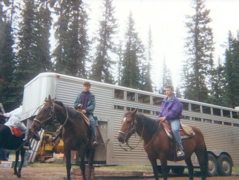 Olivier et Alexis à Lake Louise, en Alberta, à13ans