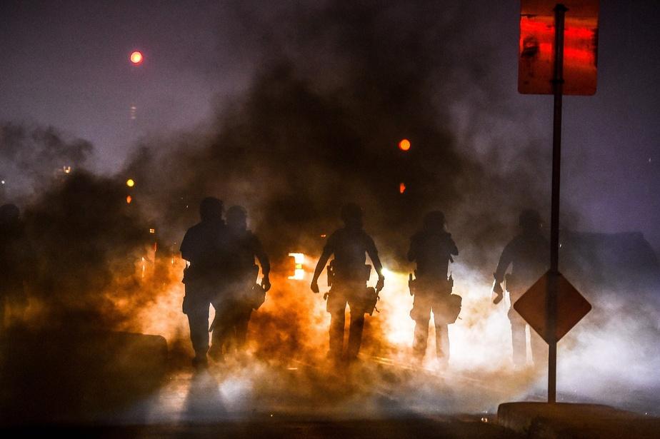 Des policiers de Minneapolis ont utilisé des gaz lacrymogènes lors des manifestations.