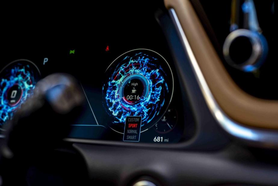 Vue du tableau de bord de la Hyundai Sonata