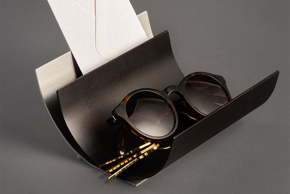 Vide-poches Keys en acier, signé Karine Michaud, Woodyne Veillard et Alexandra Bouchard (30$).