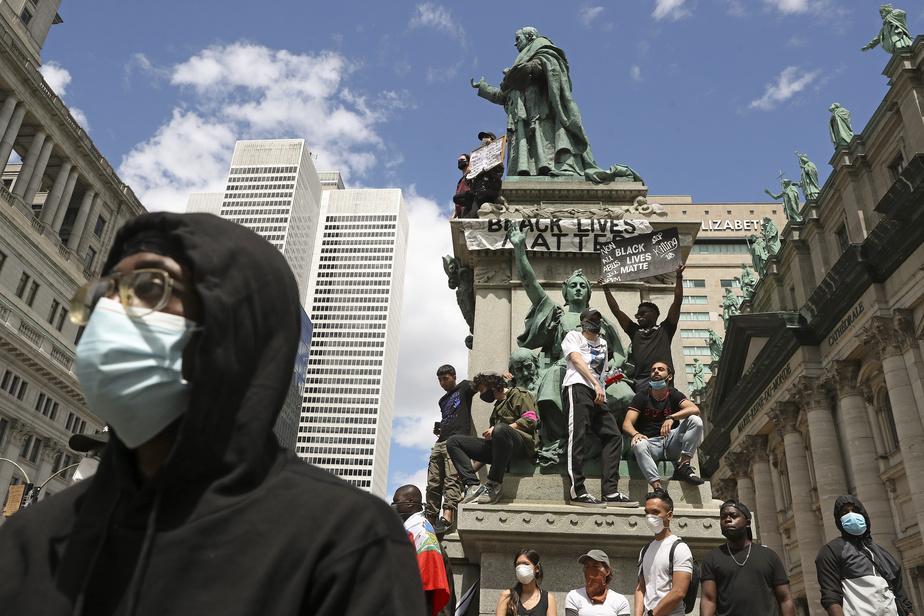 Des manifestants du cortège, dimanche, à Montréal