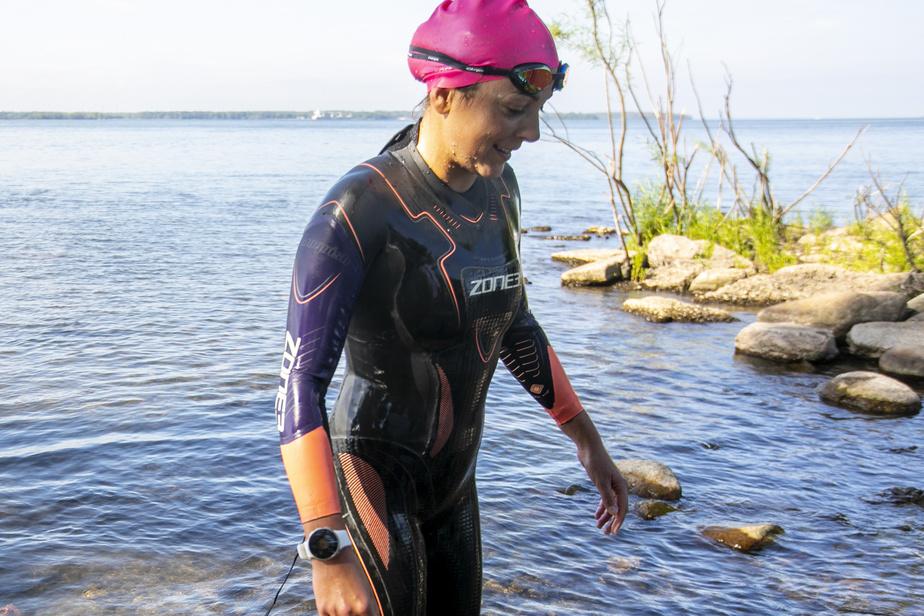 Amélie Kretz s'est entraînée dans le fleuve Saint-Laurent, dans l'ouest de Montréal.