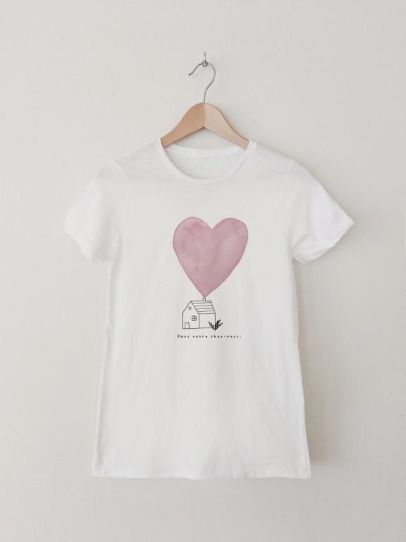 T-shirt«Dans notre chez-nous», 100% coton,Ma petite portée x Ma belle aquarelle. Prix : 32$