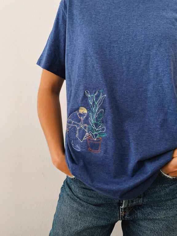 Le t-shirt «Prendre soin des plantes», Atelier Murri x Youloune, 25$
