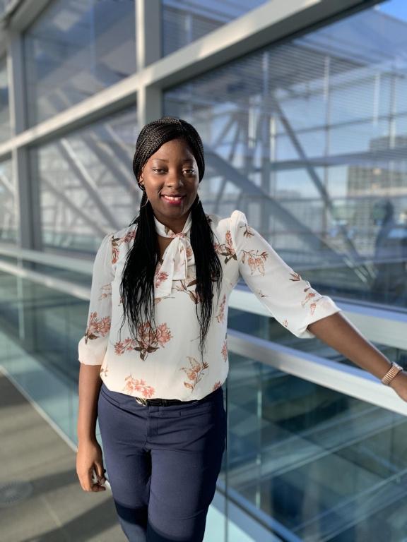 Adeline Teka Zatse, étudiante à l'Université Laval, est lauréate du prix Relève Caisse de dépôt et placement du Québec 2020.