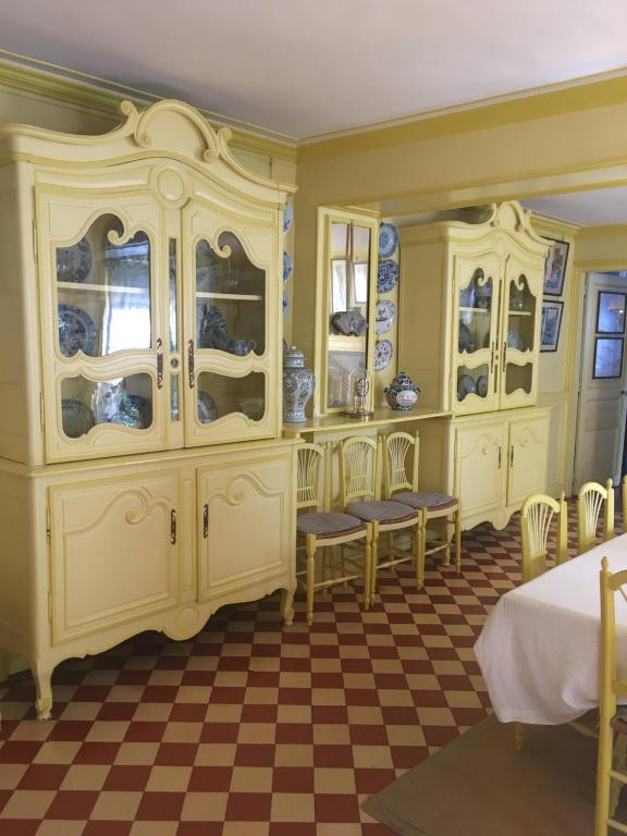 Salle à manger de la maison de Claude Monet, à Giverny