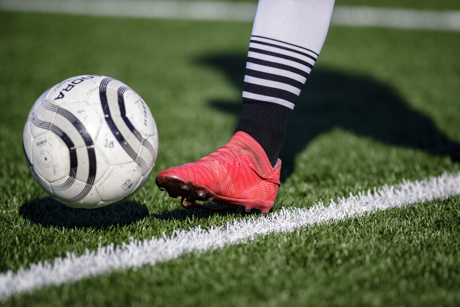 Par la suite, une fois que l'intensité des entraînements aura augmenté, il faut faire le maximum d'exercices avec un ballon.