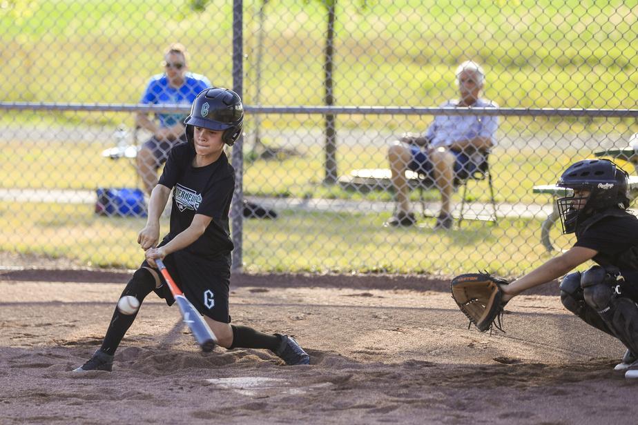 La position et le mouvement des jambes sont primordiaux au baseball autant pour frapper que pour lancer, note Marc Griffin.