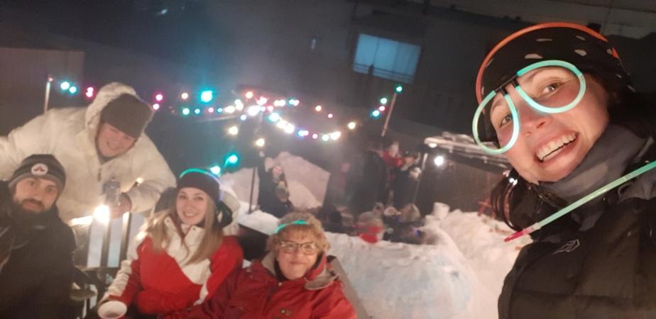Chaque année, les résidants du projet Longue-Pointe sur le Fleuve organisent un carnaval d'hiver.