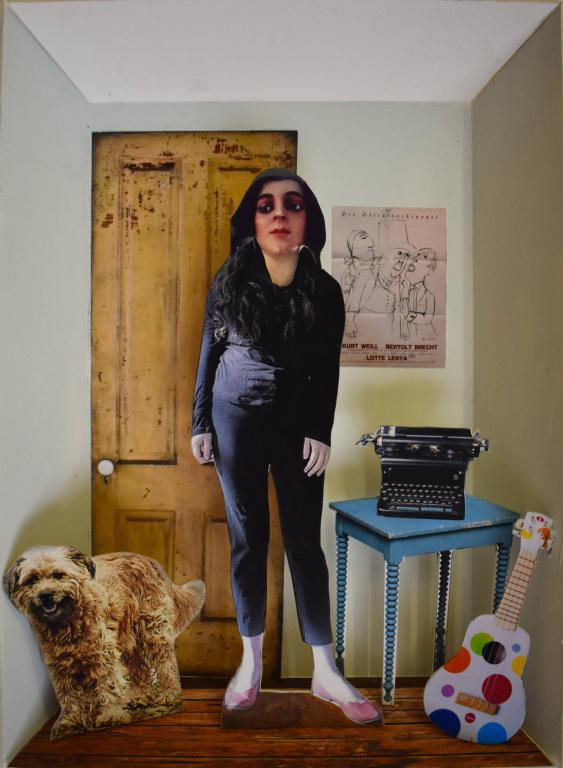 Folk Singer, 2019, David Elliott, collage avec papier imprimé, carton, carton mousse, bois et acrylique, 33 cm x 25 cm.