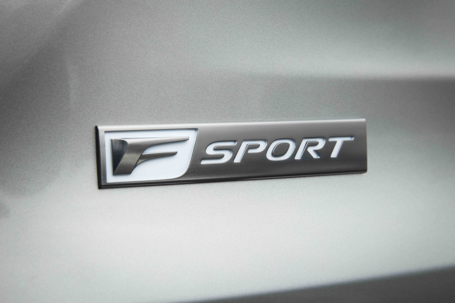 La déclinaison F-Sport vise ceux et celles qui cherchent un comportement routier plus affûté. Hors le prix (entre 7300$ et 13250$ selon le niveau d'équipements), la différence est malheureusement ténue.