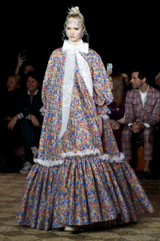 Au défilé de la collection Haute Couture printemps-été2020 de Viktor&Rolf