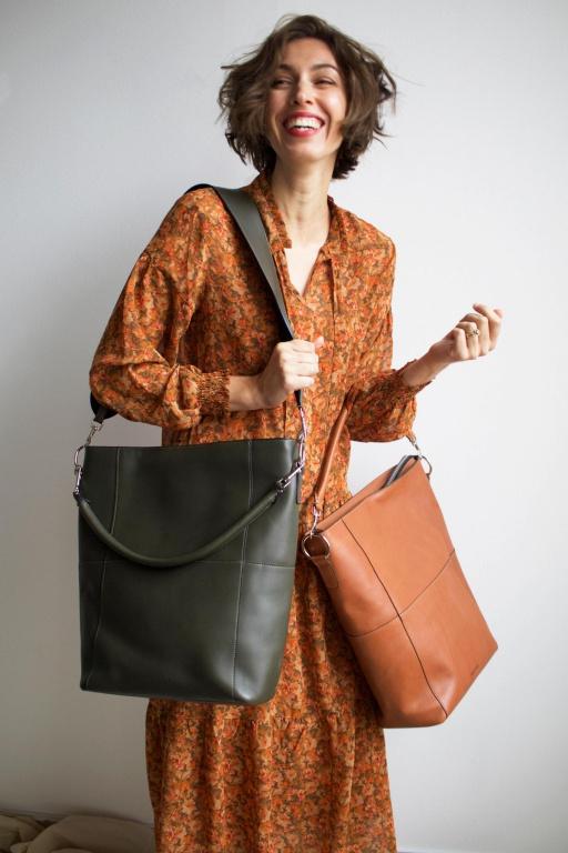 Les modèles Meletti en kaki et en marron, 345$