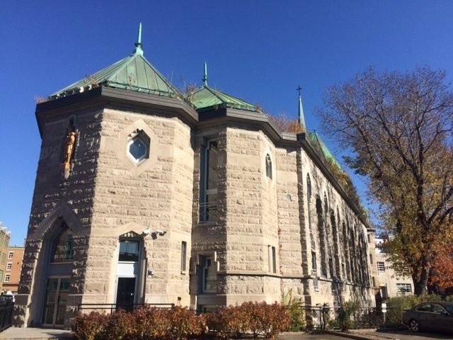 Construite en 1948, l'église de Notre-Dame-de-la-Paix, à Québec, a été convertie en condominiums en 1989.