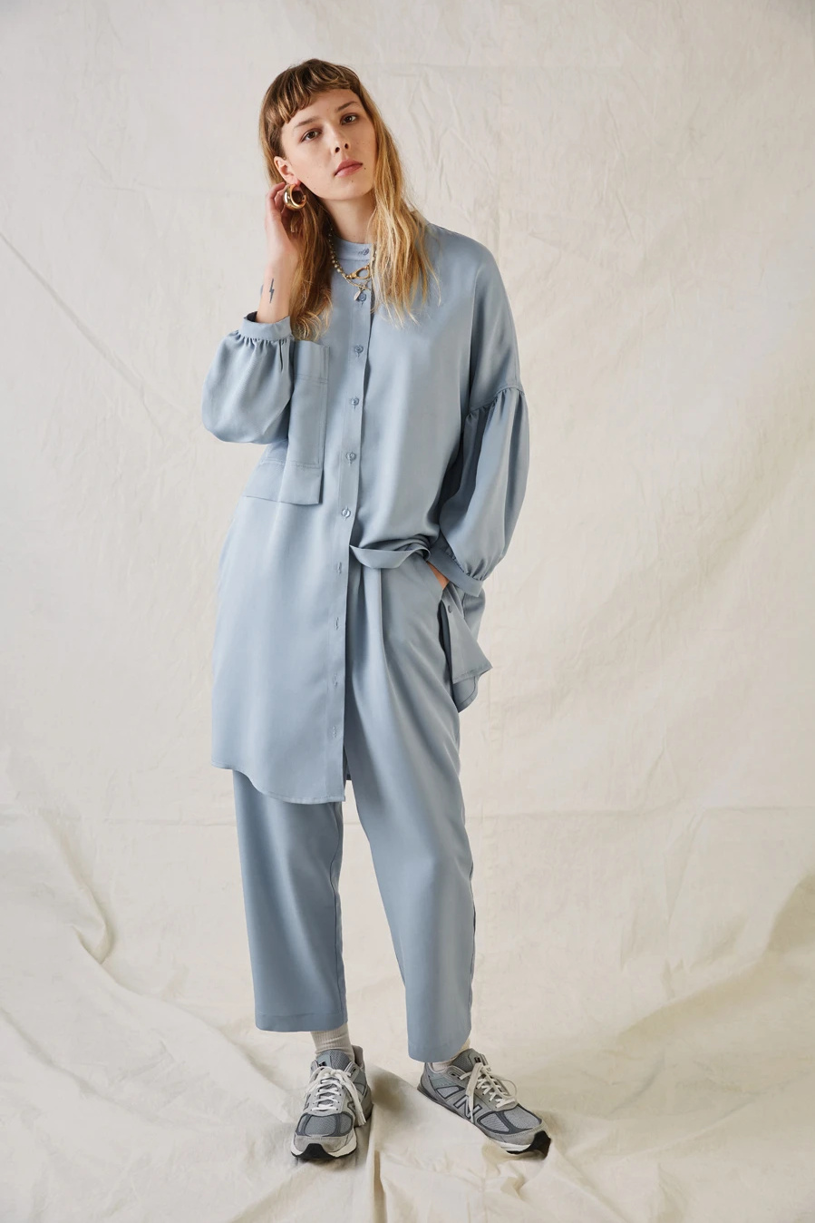 Robe Eastwood, 242$, pantalon, 236$, Ève Gravel