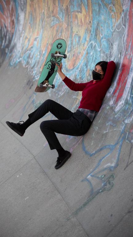 Image tirée de la vidéo Social Distancing Portrait 18, 2020, Adad Hannah, 27secondes