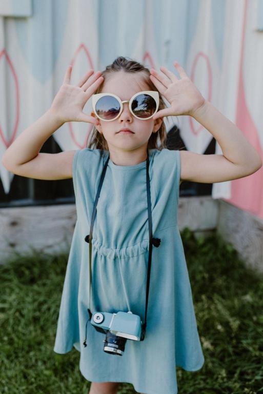 La nouvelle collection de Cokluch Mini comprend notamment des robes, combinaisons et shorts.
