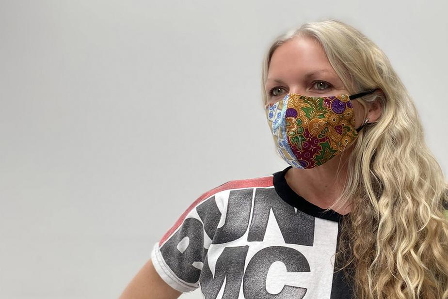La marque de Sherbrooke88 Queen St. crée des masques colorés à partir de tissus recyclés(propres, évidemment), avec doublure en polyester aggloméré et munis d'une pièce pour épouser les contours dunez.En grandeur S ou M. Prix: 15$