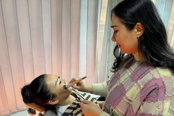 Kaboul Un salon de beauté dernière oasis de liberté pour les femmes