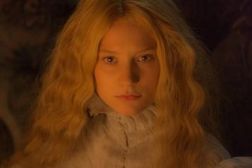 Mia Wasikowska peine à s'imposer comme réalisatrice