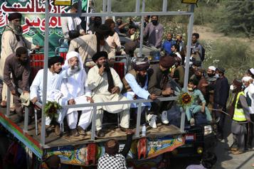 Pakistan Trois policiers tués lors d'une manifestation islamiste hostile à la France