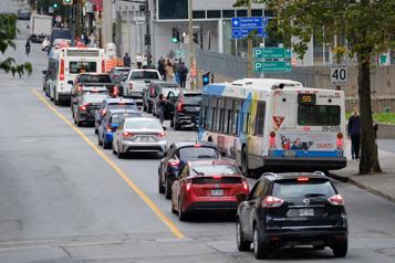 Transports collectifs Il y a urgence d'agir pour éviter les réductions deservice!