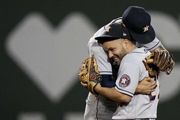 Série de championnat de l'Américaine Les Astros s'imposent 9-1 et prennent l'avance dans la série