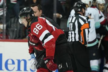 Devils Jack Hughes souffre d'une dislocation de l'épaule
