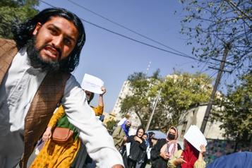 Kaboul Des journalistes frappés par des talibans lors d'une manifestation
