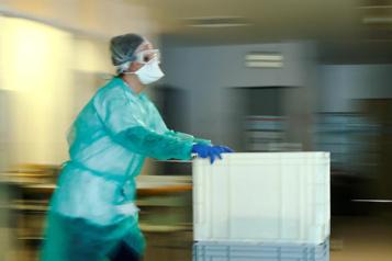 COVID-19 Des dizaines de milliers de professionnels de santé morts depuis janvier2020