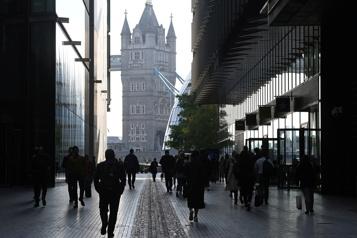 Hausse des cas de COVID-19 Un «plan B» est réclamé au Royaume-Uni