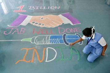 L'Inde a administré un milliard de doses de vaccin contre la COVID-19